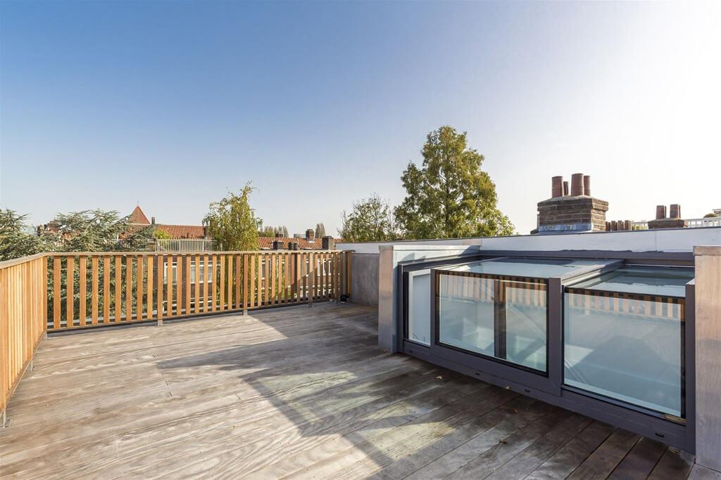 Schiebebox auf einer Dachterrasse am Middenweg in Amsterdam