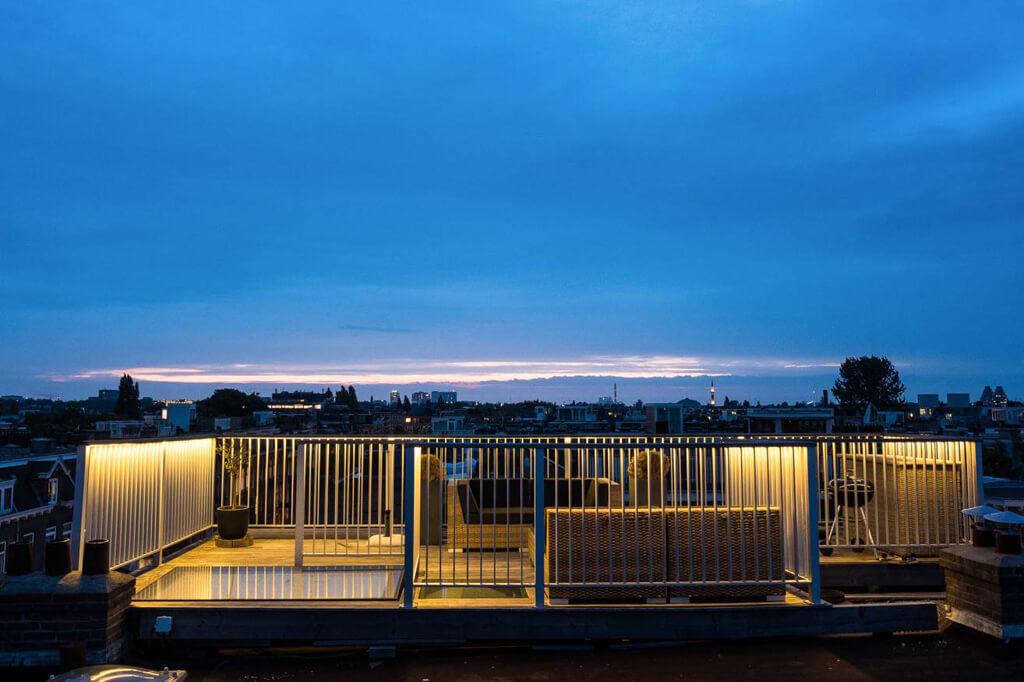 Manuelle Dachluke für Terrasse in Amsterdam