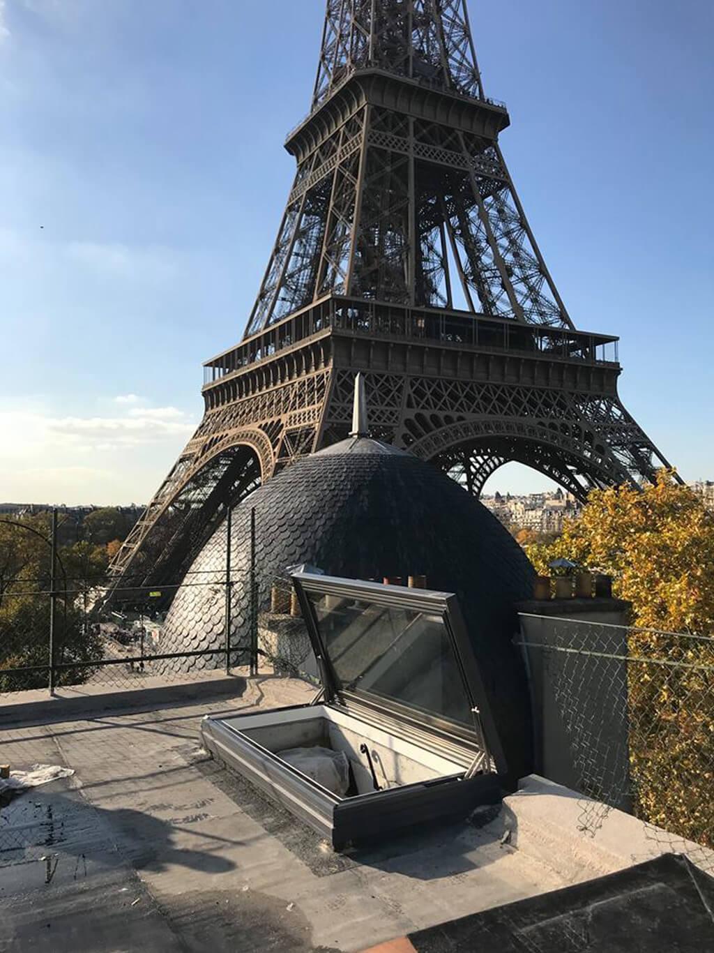 Elektrische Dachluke in Paris