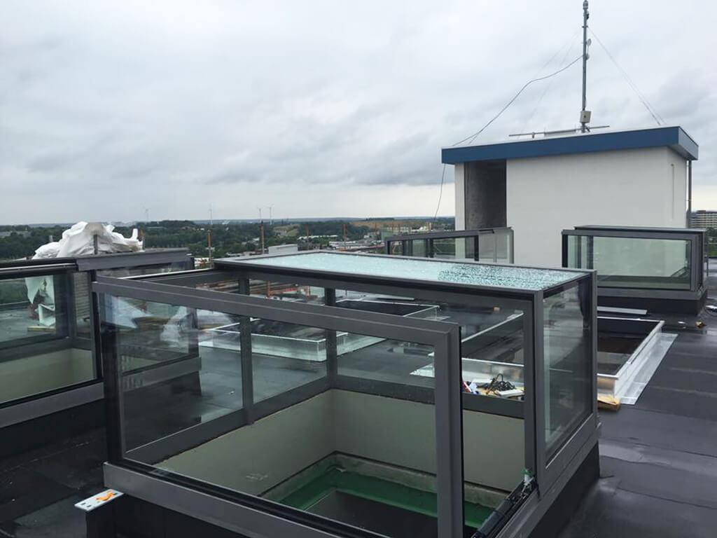 Zugang zur Dachterrasse mit freistehender Box